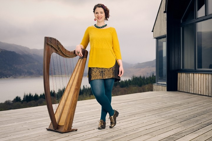 Pippa with her harp