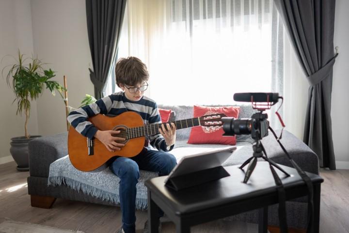 guitar boy online